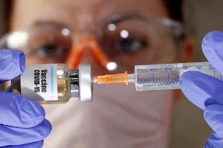 Заразны ли привитые от коронавируса люди?