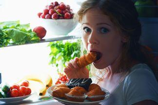 Ученые признали, что поздние ужины не влияют на здоровье