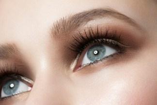 Чего не должно быть в средствах для кожи вокруг глаз?
