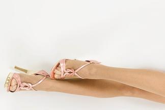 Делаем ноги и бедра стройнее: ТОП-10 упражнений от  фитнес-тренера