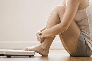 «Набор 1-2 кг перед менструацией девушку пугать  не должен». Говорим  о  влиянии гормонов  на  женщин