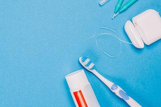 Стоматологический боекомплект. Разбираемся, зачем нужны все эти ополаскиватели, гели, нити…