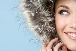 «Очищающие пенки и щадящее крем-мыло нужно отложить до  весны». Косметолог дает советы по зимнему уходу