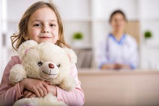 Пора к гинекологу! Какие жалобы девочки должны насторожить каждую маму?