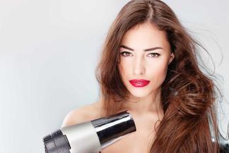 Очень вредные привычки! Вместе с мастером разбираем 10 распространенных ошибок по уходу за волосами