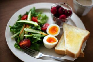 Утренняя пища: в какое время лучше всего завтракать?