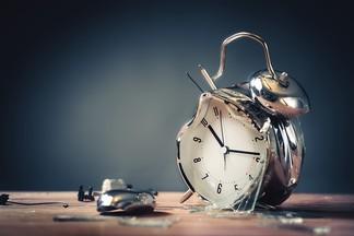А что если просыпаться не от звука, а от запаха? 7 любопытных фактов о будильнике