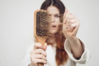 Медики: выпадение волос может быть признаком повышенного давления