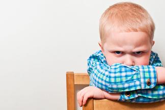 Ребенок не слушается? Это хорошо! Специалисты о детских кризисах и правильном поведении родителей