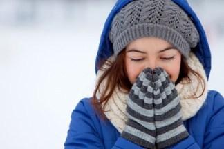 Аллергия на холод может проявиться даже при употреблении холодной пищи