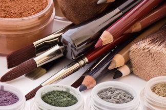 Ошибки в макияже, которые  делают нас старше. Разговор со специалистом