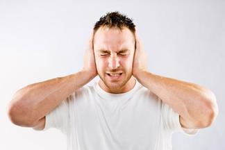 Почему в ушах слышится стук сердца?
