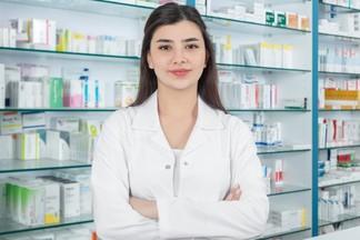 Как больницы и аптеки будут работать в новогодние праздники?
