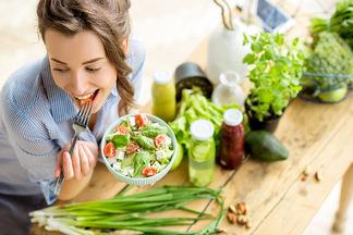3 мифа о здоровой пище, которые не дают похудеть
