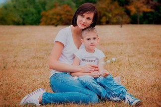 «Аутизм не болезнь, и вылечить это нельзя». История белоруски, которая воспитывает особенного ребенка