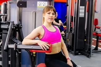 «Плоский живот за короткий срок!» Фитнес-тренер одомашних упражнениях, которые работают