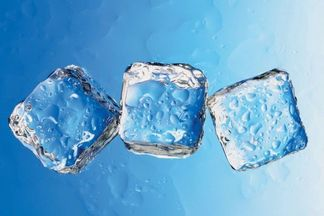 За советом к Наталье Дичковской: можно ли протирать кожу льдом?