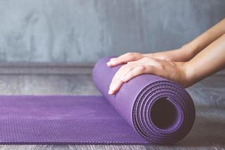 Такая йога вам понравится! Показываем, как избавиться от стресса за 30 минут