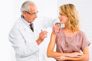 Прививки во взрослом возрасте. Врач рассказывает, какие из них игнорировать никак нельзя
