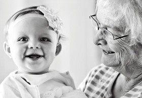 Бабушки VS педиатры: уход за новорожденными
