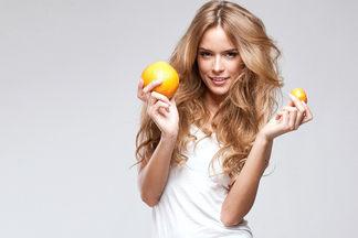 С «нулевочки» до «единички»: как с помощью макияжа декольте увеличить грудь. Поэтапная инструкция от  стилиста