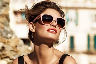 Чем опасны пластиковые цветные очки?