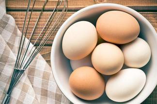 Кому нельзя есть куриные яйца?