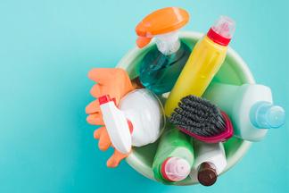 Чего не должно быть в составе моющего средства для дома? Эколог раскрывает секреты