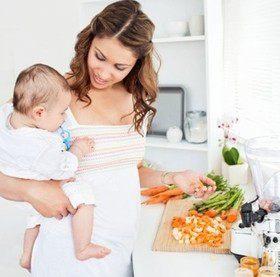 Что можно и что нельзя есть кормящей маме?