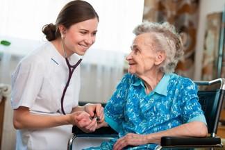 Белорусские медики вылечили от коронавируса 101-летнего пациента