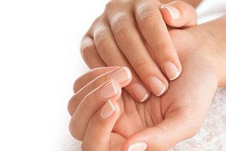 Почему лучше не отращивать длинные ногти и  не  пользоваться лаками