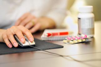 Исследование: потребители предпочитают поиск дешевых лекарств в интернете походу в аптеки