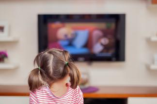 Сколько играть, смотреть телевизор и спать — новые рекомендации ВОЗ для здоровья детей