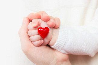 «Любая женщина может родить ребенка с пороком сердца». Кардиохирург об актуальности проблемы