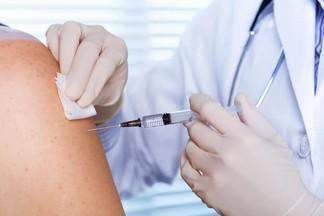 Когда белорусов начнут прививать российской вакциной от COVID-19?