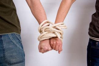 «Я не могу без тебя»:  чем опасны созависимые отношения и как их распознать