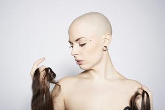5 неочевидных причин выпадения волос