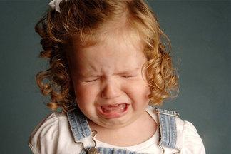 «Когда хочется накричать на сына или дочку, представьте, что это чужой ребенок»: психолог о строгости и вседозволенности в воспитании