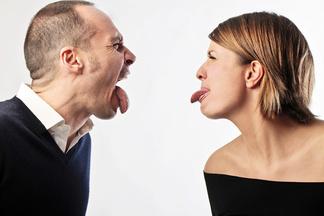 Женщинам на заметку. Всего 3 фразы, которые разрушают отношения