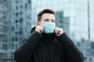 Как долго переболевшие коронавирусом остаются заразными?