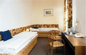 Отдых и оздоровление за рубежом Ibookmed Курорт Пьештяны отель Jalta 2* - фото 2