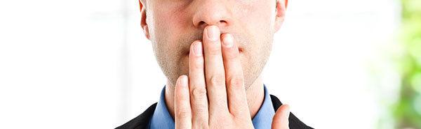 Неприятный запах изо рта: 3 причины и 3 способа справиться